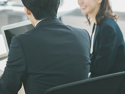 上司・先輩に送る年賀状の例文、書き方のマナーや賀詞の選び方を解説