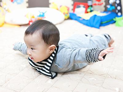 年賀状で出産報告!写真入り年賀状のススメと赤ちゃんの撮り方のコツ
