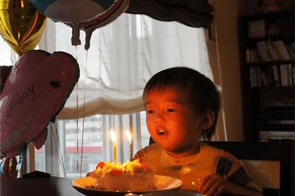 2歳の誕生日! プレゼント・飾り付け&写真などのお祝いマニュアル